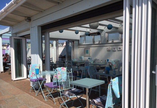 Lookout Beach Café